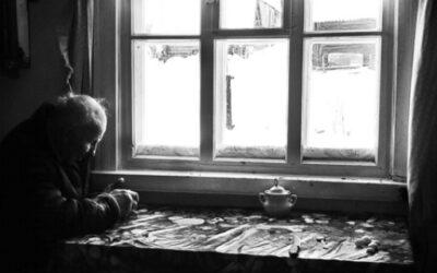 Como a Solidão afeta os idosos